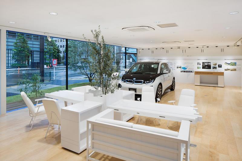 BMW i showroom in Tokyo 4