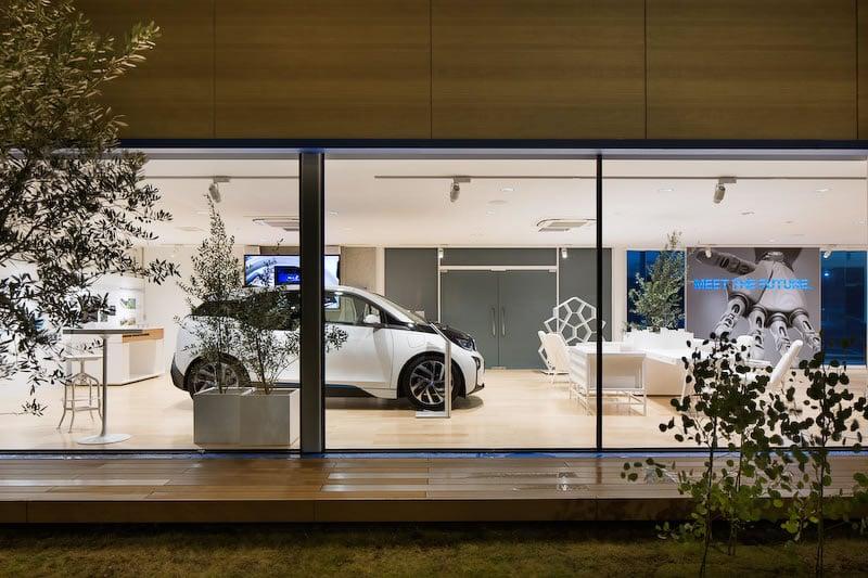BMW i showroom in Tokyo 6