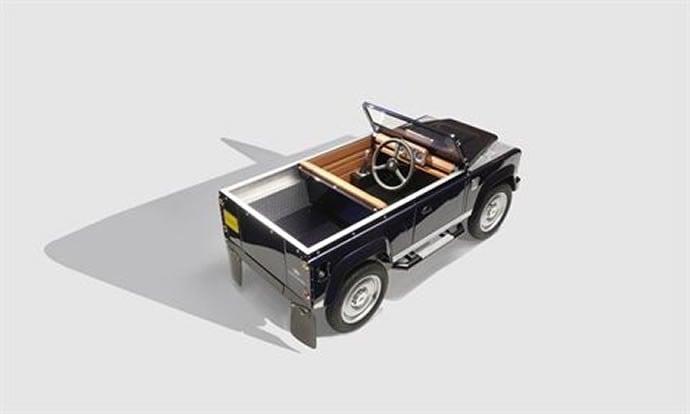 Land Rover's Defendor 4