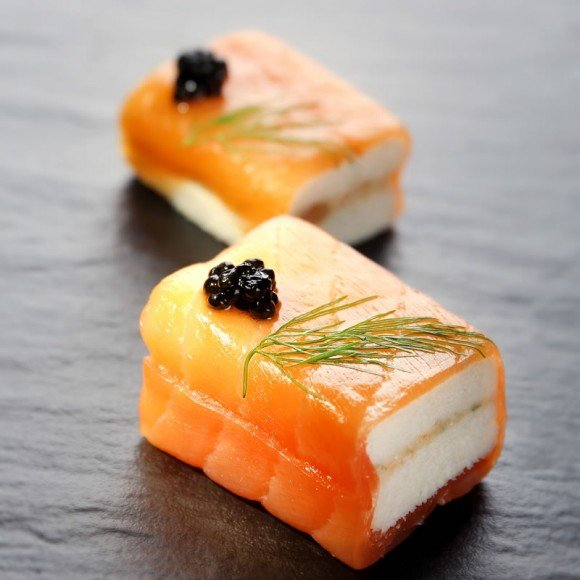 Scotland smoked salmon with capers bread cube caviar