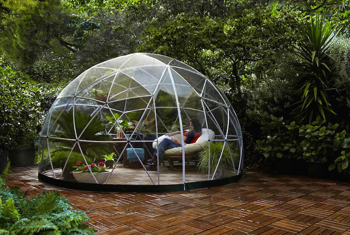 a transparent garden igloo your personal sanctuary for zen. Black Bedroom Furniture Sets. Home Design Ideas