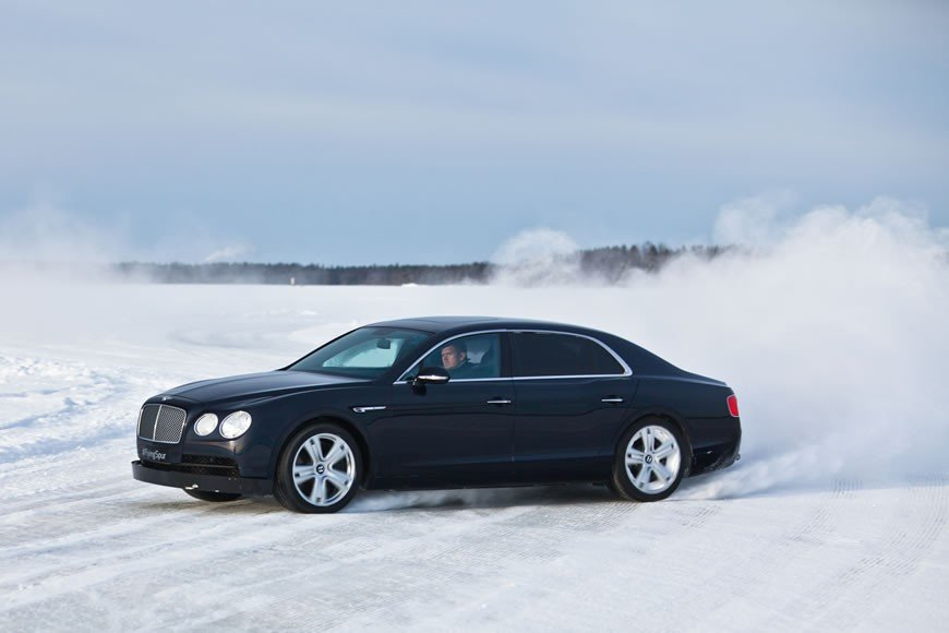 Bentayga makes Power on Ice Debut  (4)