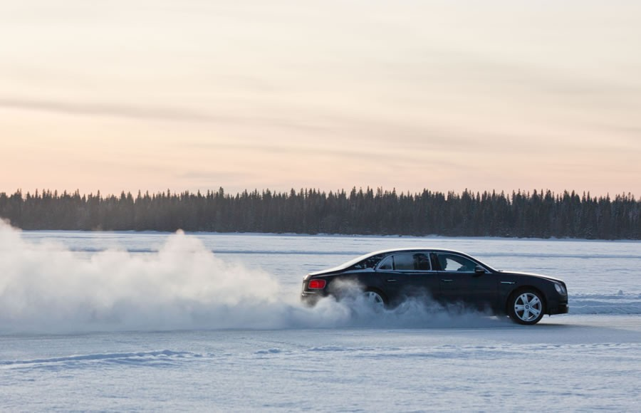 Bentayga makes Power on Ice Debut  (5)