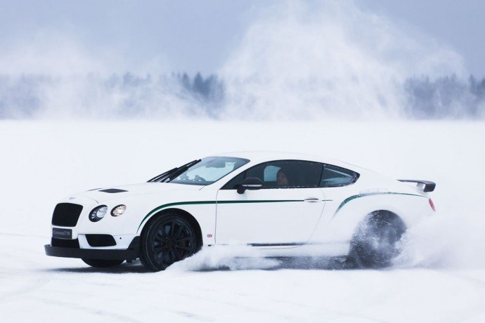 Bentayga makes Power on Ice Debut  (7)