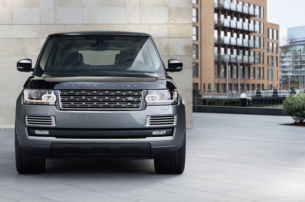 http://luxurylaunches.com/wp-content/uploads/2015/10/Range-rover-2.jpg