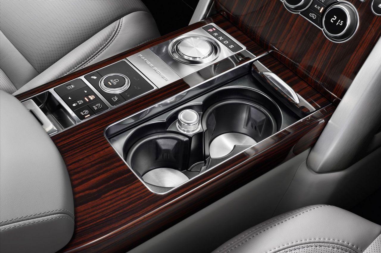 http://luxurylaunches.com/wp-content/uploads/2015/10/Range-rover-5.jpg