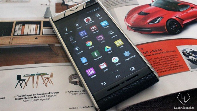 Robust, sleek and quite sport is this Vertu Aster