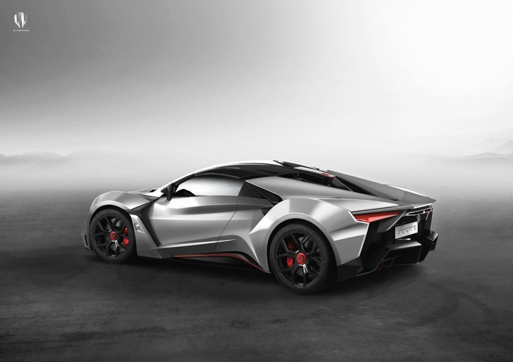 Fenyr SuperSport 4