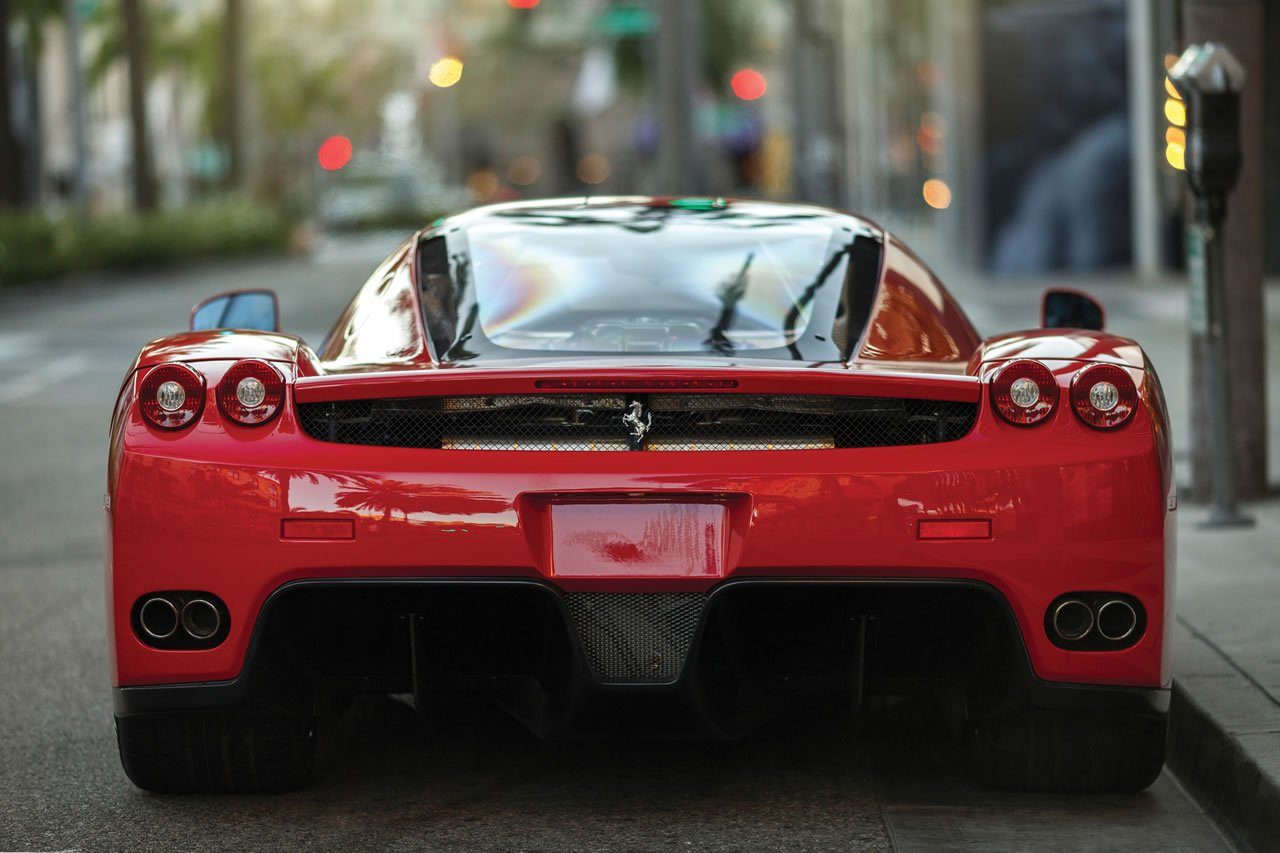 Floyd Mayweather S Ferrari Enzo May Kick A 3 Million Punch At