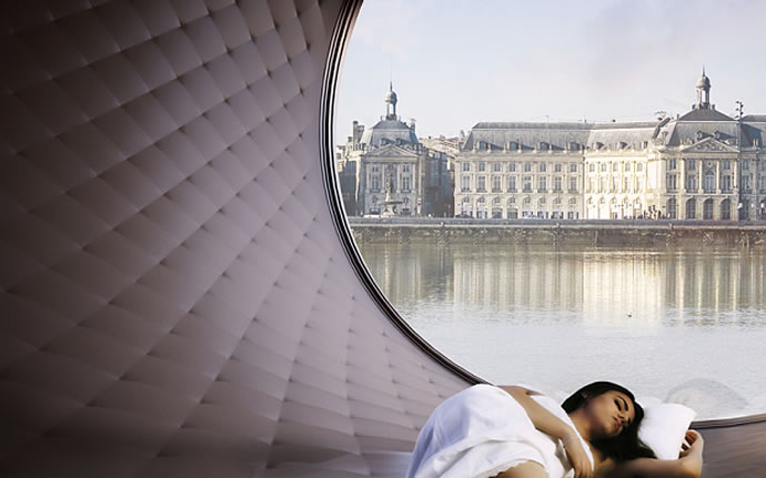 Giant wheel hotel Paris 2