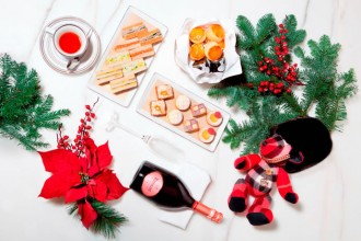 MO Bar Simply British Afternoon Tea for the Festive inspired by Burberry