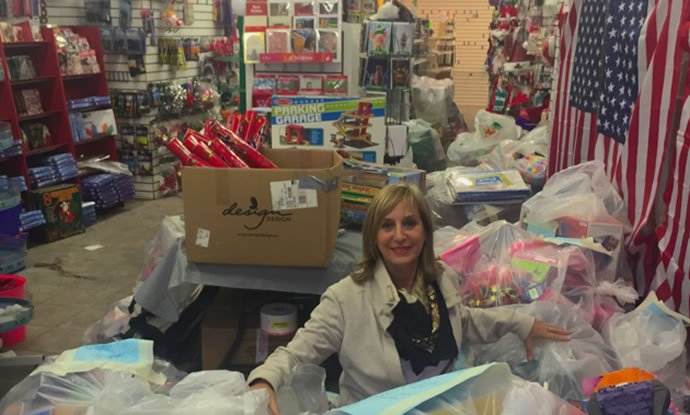 Toys For The Homeless : Ny millionaire woman donates entire toy store to homeless