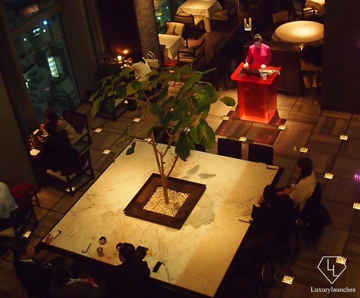 Sense Tea Corner Night