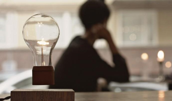 Flyte-Magnetically-Levitating-Wireless-Light-Bulb