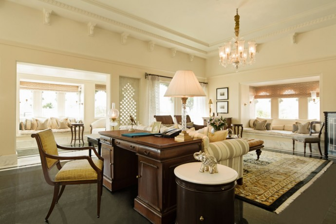 Living Room -  The Kohinoor Suite with Private Pool - The Oberoi Udaivilas, Udaipur
