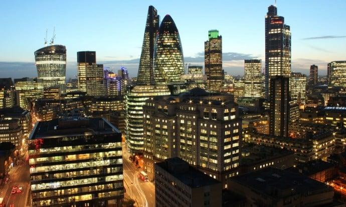 London-Financial-district-skyline-1020x610