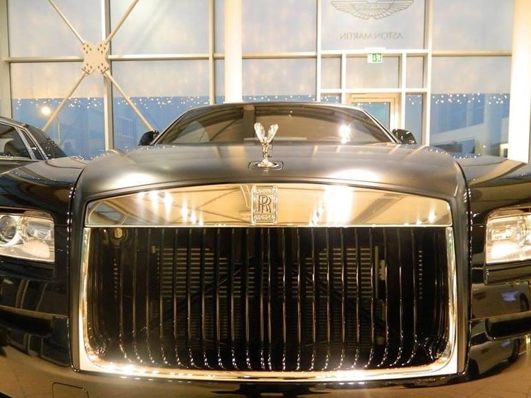 Rolls-Royce-Wraith-Carbon-Fiber-3