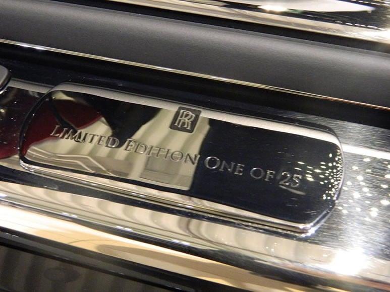 Rolls-Royce-Wraith-Carbon-Fiber-4