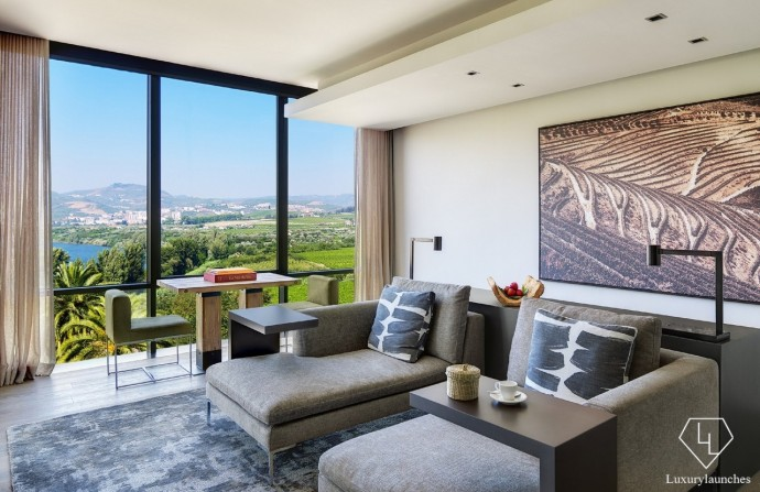 Six Senses Douro Valley_Quinta Panorama Suite Living room