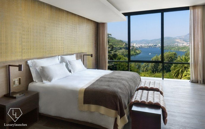 Six Senses Douro Valley_Quinta Panorama Suite bedroom