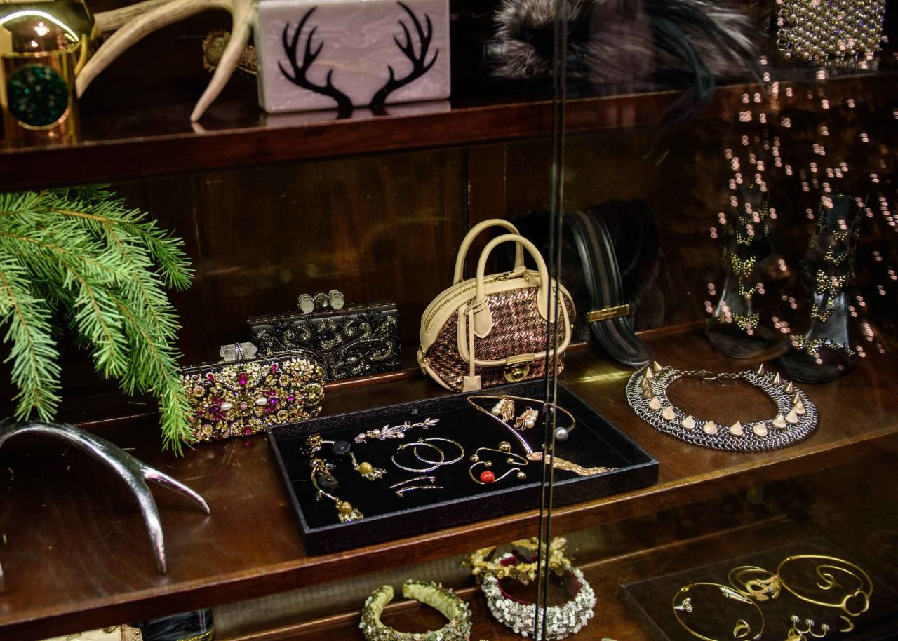 St. Regis New York Welcomes Christmas With A Pop-up