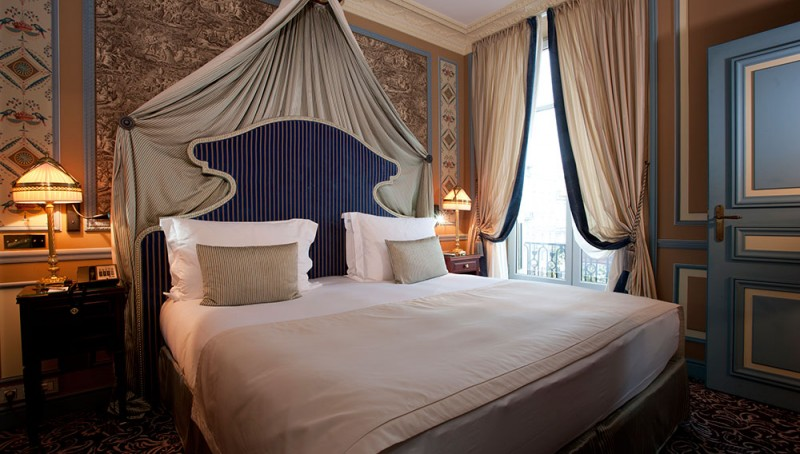 the new intercontinental bordeaux opens doors in a 18th century historic building. Black Bedroom Furniture Sets. Home Design Ideas