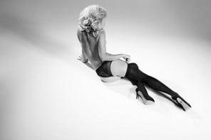 CHARLOTTE-OLYMPIA-X-AGENT-PROVOCATEUR-1-Vogue-12Jan16_b_646x430