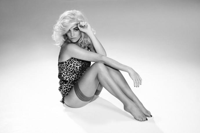 CHARLOTTE-OLYMPIA-X-AGENT-PROVOCATEUR-5-Vogue-12Jan16_b_1080x720