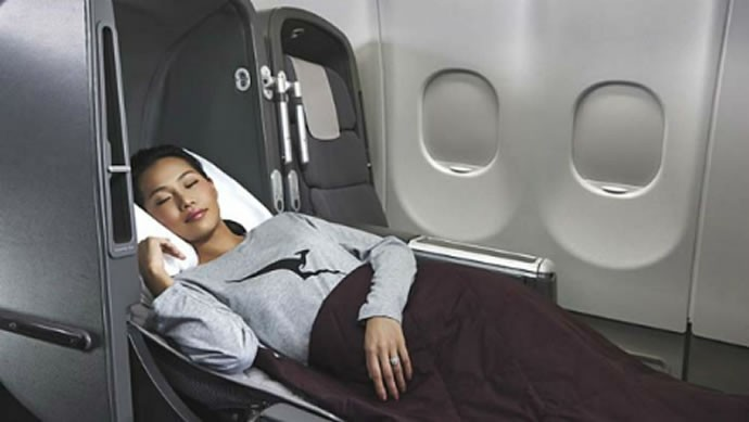 10 of the most comfortable sleep wear airlines offers to ...