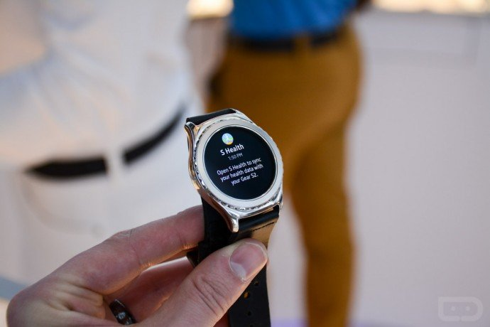 Samsung Gear S2 comes dressed in rose gold and platinum