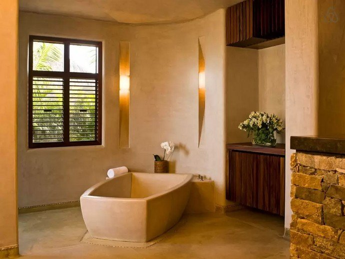 the-master-bathrooms-have-relaxing-tubs