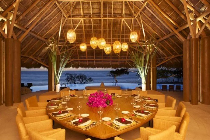 the-palapa-has-a-dining-table-for-12-guests-too