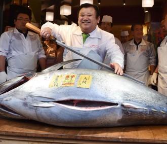 tsukiji-fish-market-117k-tuna-xl-blog0116