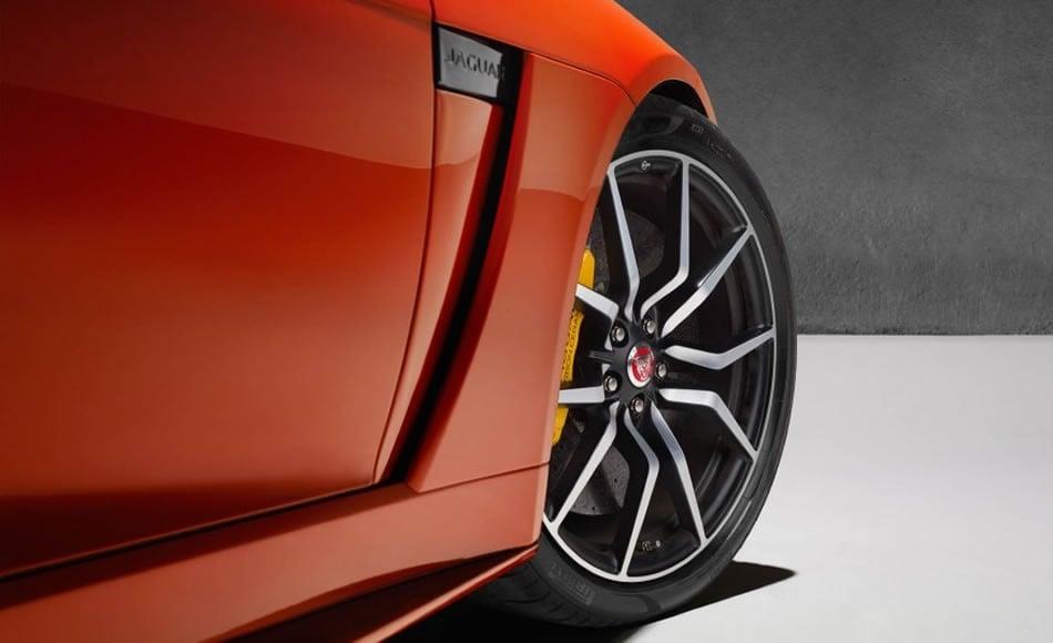 2017-Jaguar-F-type-SVR-coupe-convertible-128-876x535