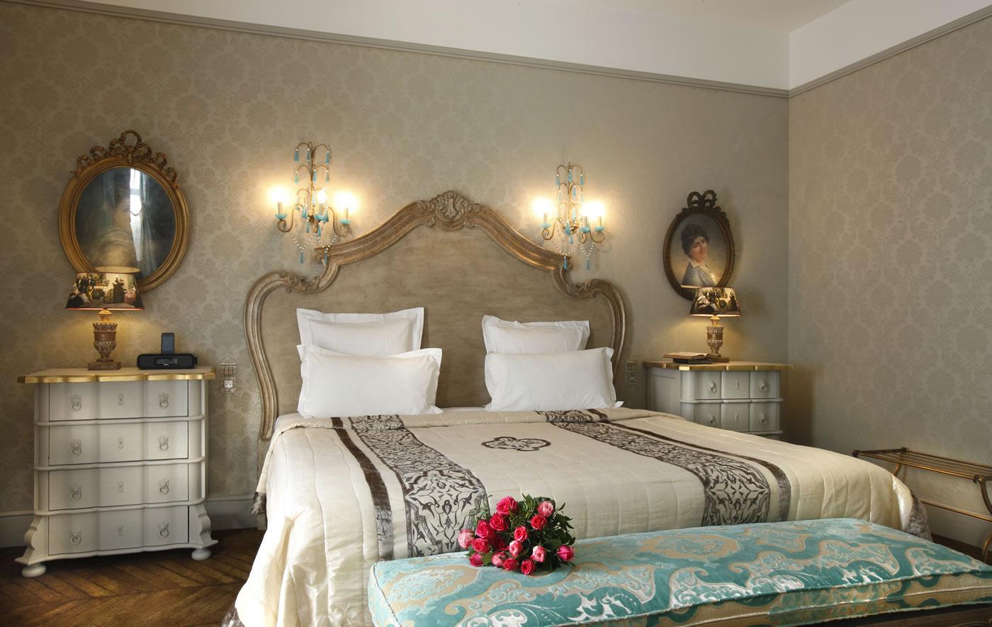 Prestige suite for Chateau hotel paris