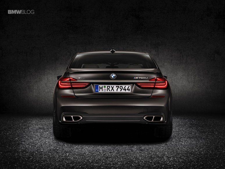BMW-M760Li-xDrive-images-4
