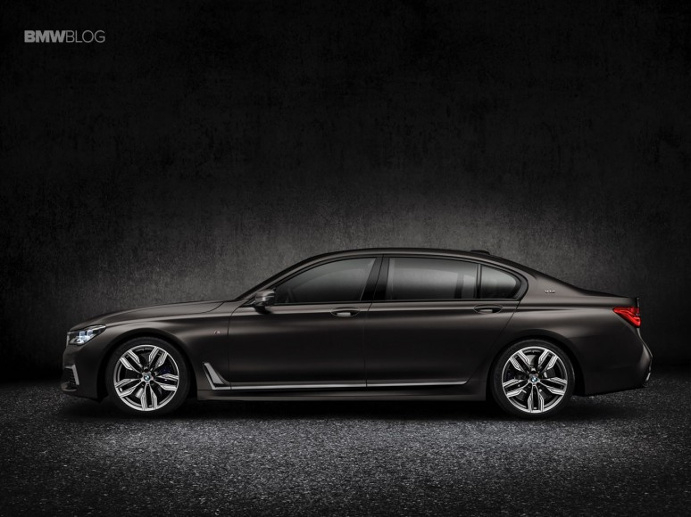 BMW-M760Li-xDrive-images-5