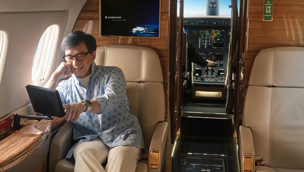 Jackie-Chan-Business-Jet-6