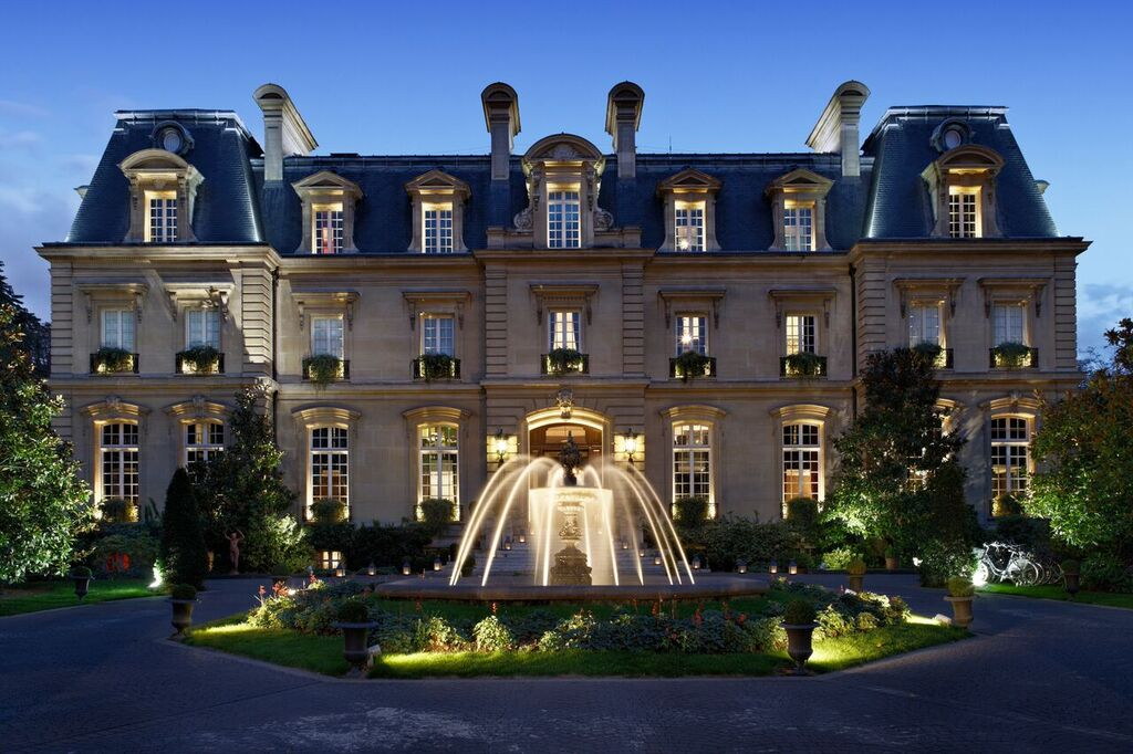 Saint-James-Paris-facade