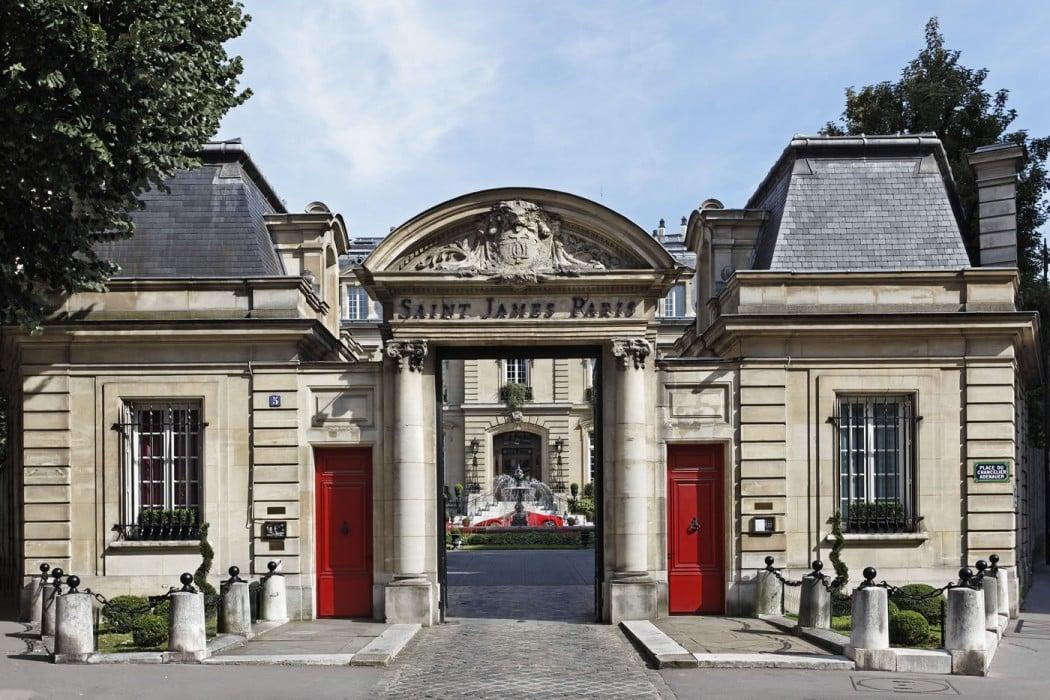 Saint-James-Paris-porche-1