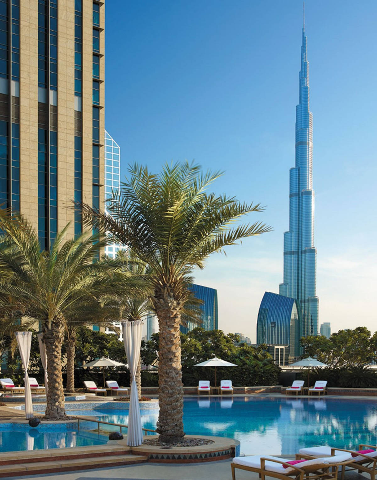 Shangri-La-Dubai-Swimming-Pool