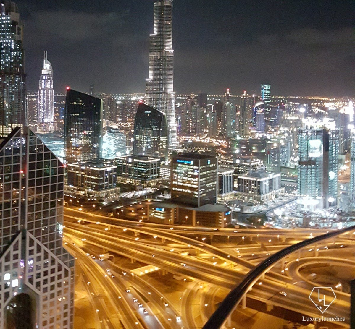 Dubai in its nocturnal glory from our Horizon Premier room.