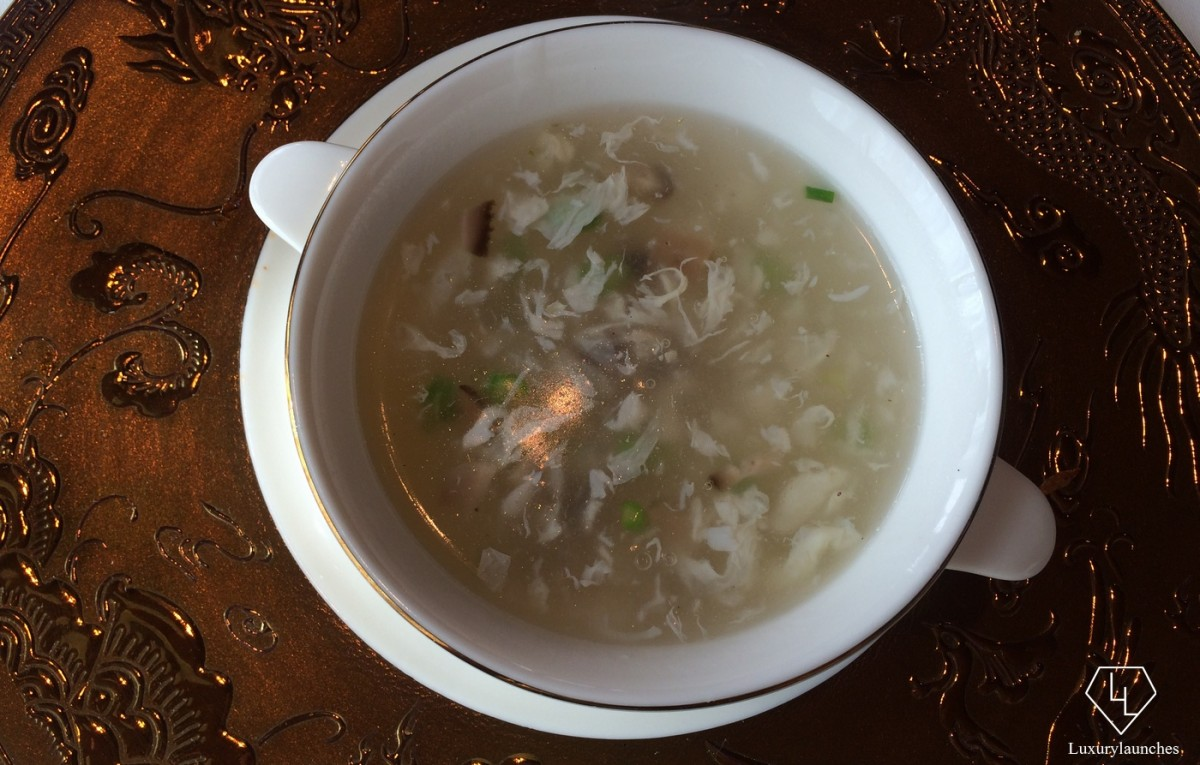 crabmeat-soup-shangrila-bangalore