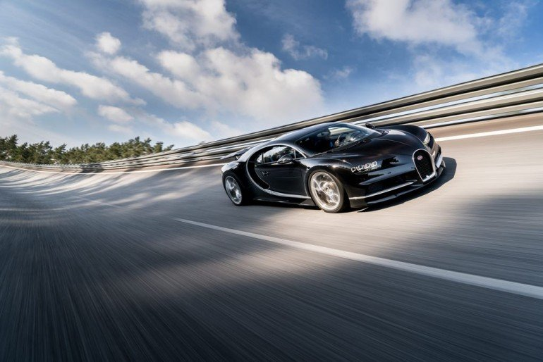 02_CHIRON_dynamic_34-front_WEB.0