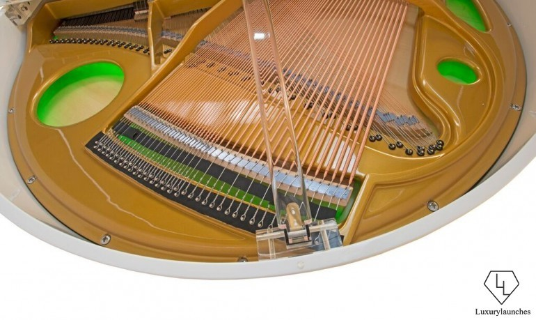 Goldfinch-Piano-for-Superyachts-2-770x459