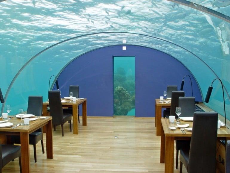 Ithaa_undersea_restaurant-889x667