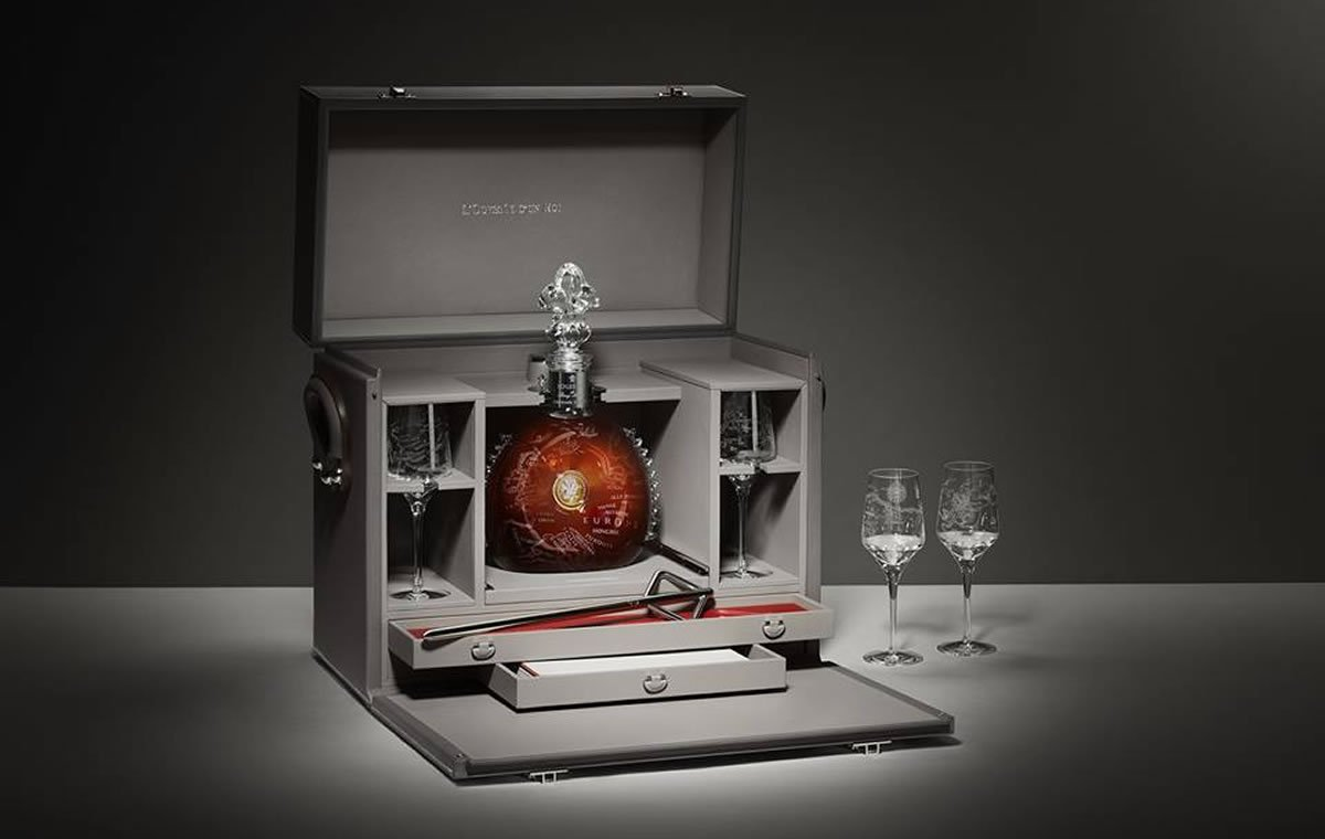 Louis XIII creates a masterpiece cognac to be presented in an Hermès trunk -