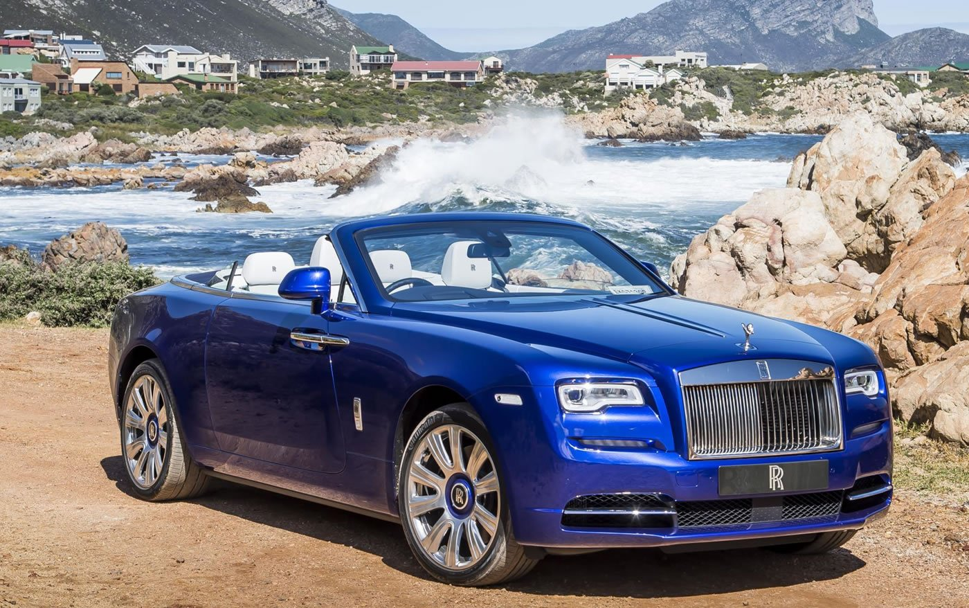 the rolls royce dawn is now top gear s 2016 luxury car of the year. Black Bedroom Furniture Sets. Home Design Ideas