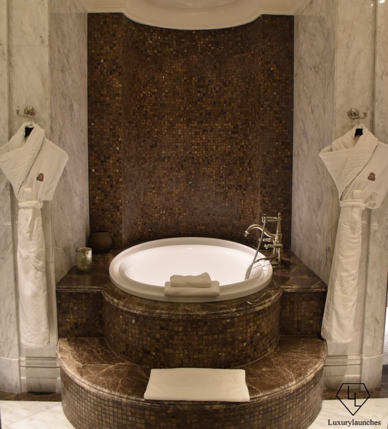 St Regis Dubai Imperial Suite Guest Bedroom Bathroom