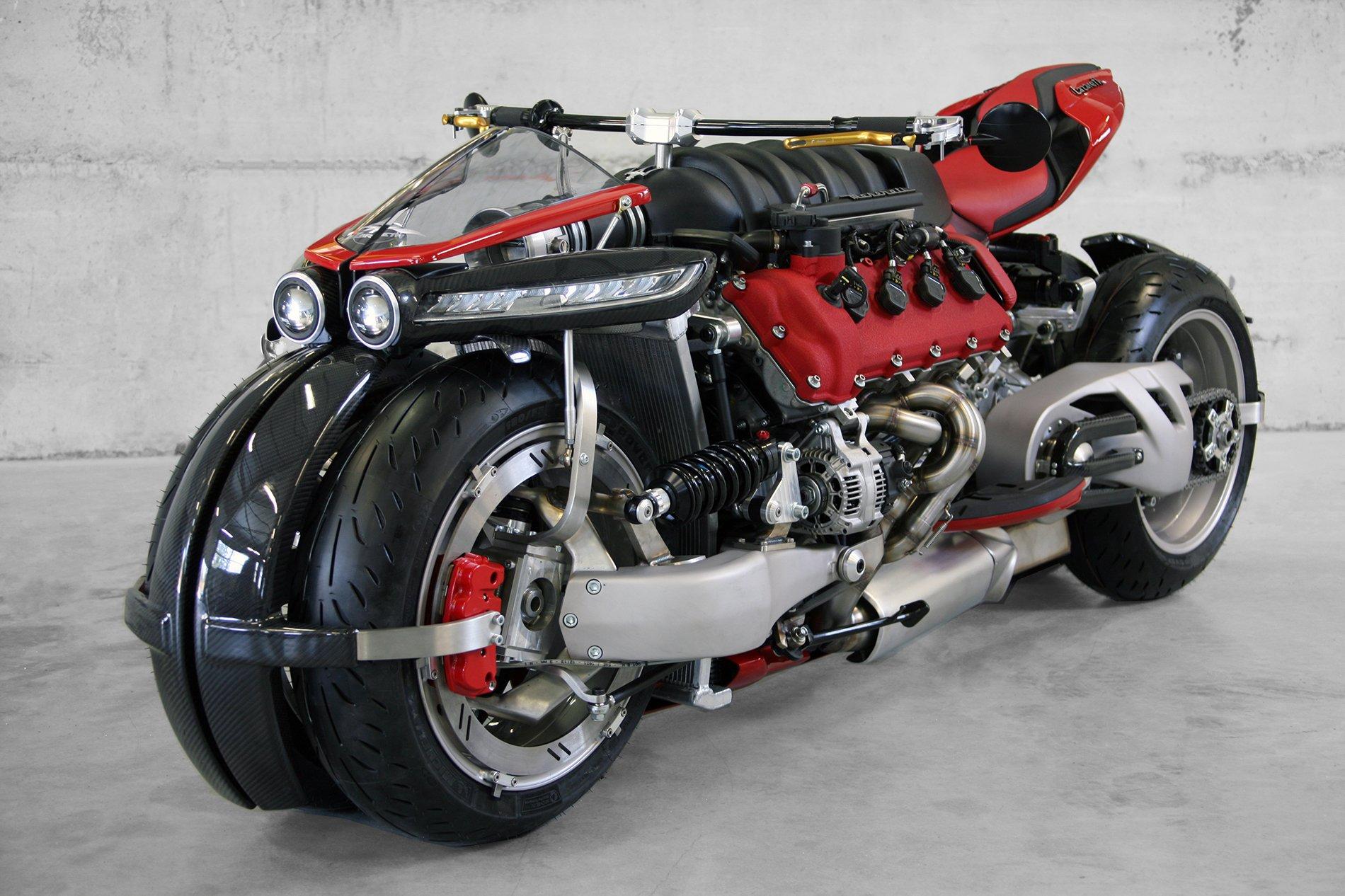 This one-off Lazareth LM 847 tilting quad-bike packs a 4.7-liter Maserati engine, drives 470 ponies -